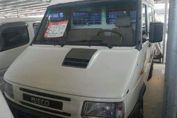 依维柯 依维柯 2009款 2.8T 手动 TC5045C房车 柴油