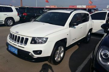Jeep 指南者 2013款 2.4 自动 运动版四驱