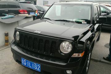 Jeep 自由客 2012款 2.4 自动 运动版四驱
