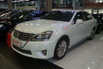 丰田 皇冠 2012款 2.5 自动 Royal真皮版