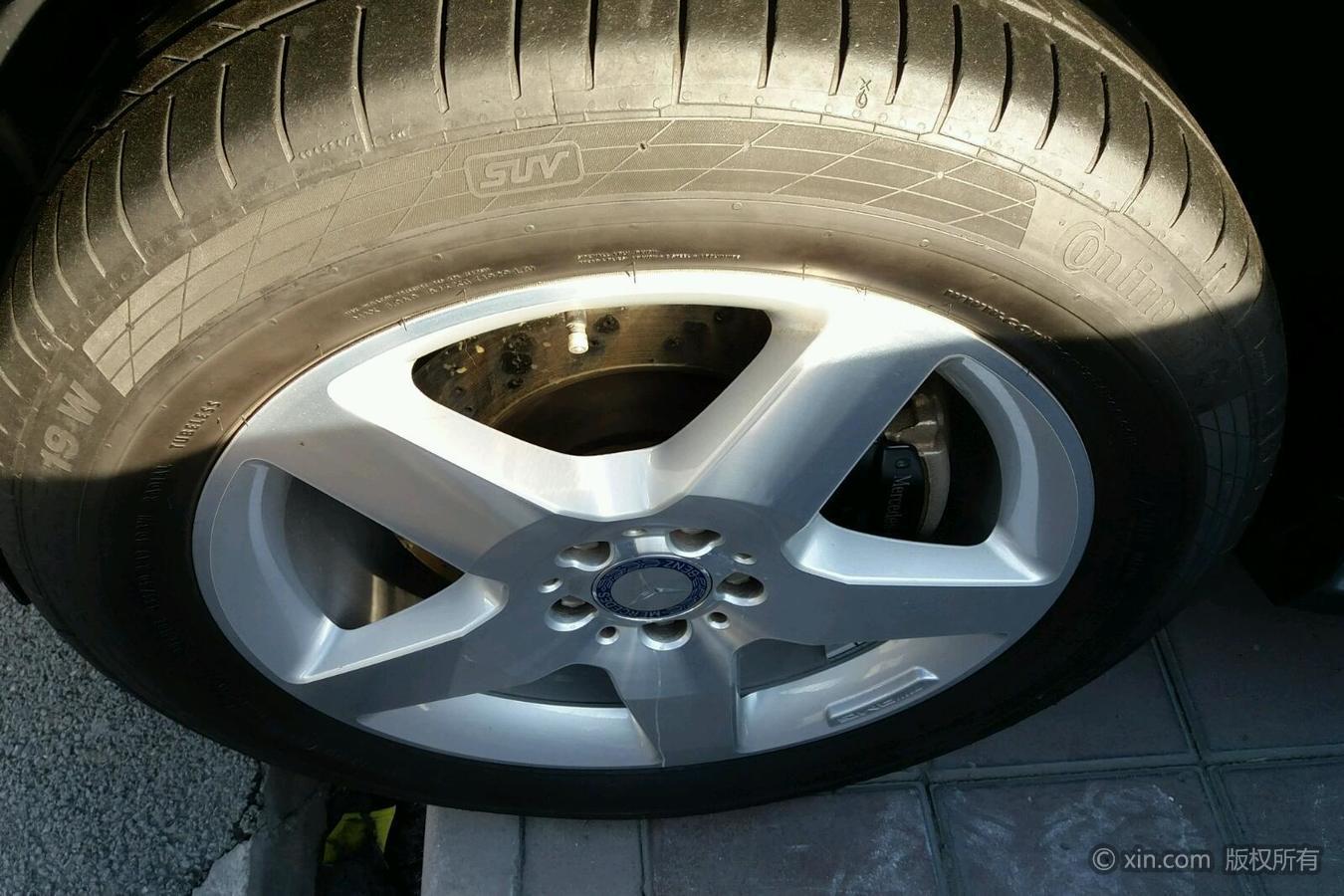 奔驰ML级左前轮胎