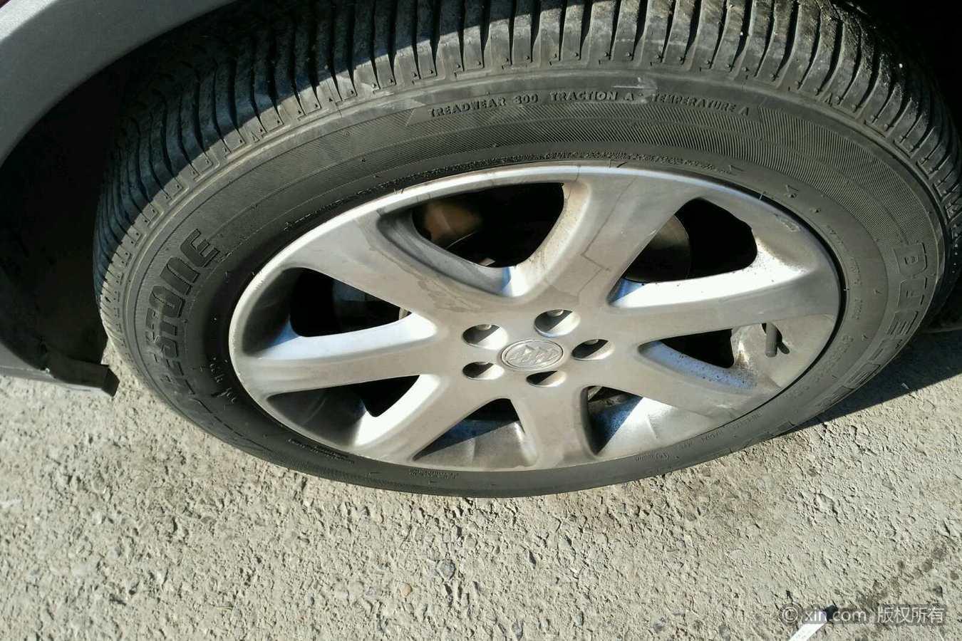 别克昂科拉左前轮胎