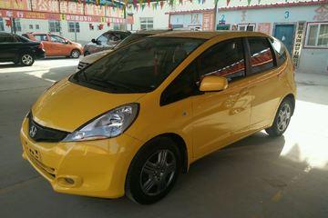 本田 飞度两厢 2013款 1.3 手动 荷兰橙色舒适型