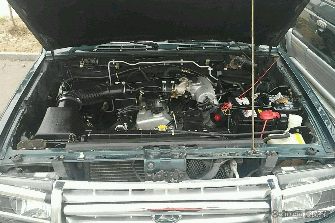 猎豹汽车6481发动机舱