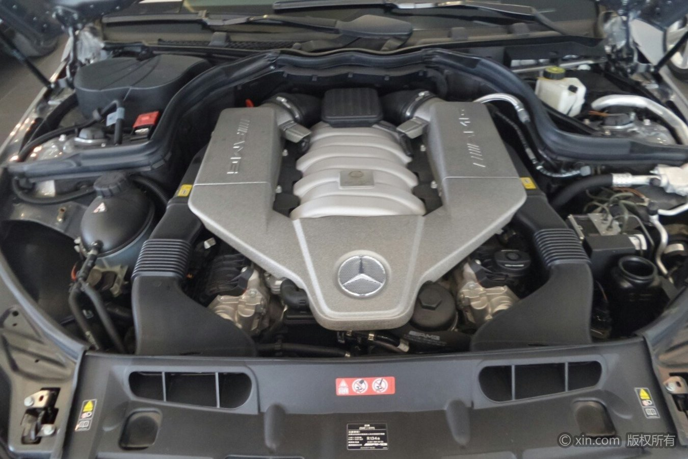 奔驰C级AMG发动机