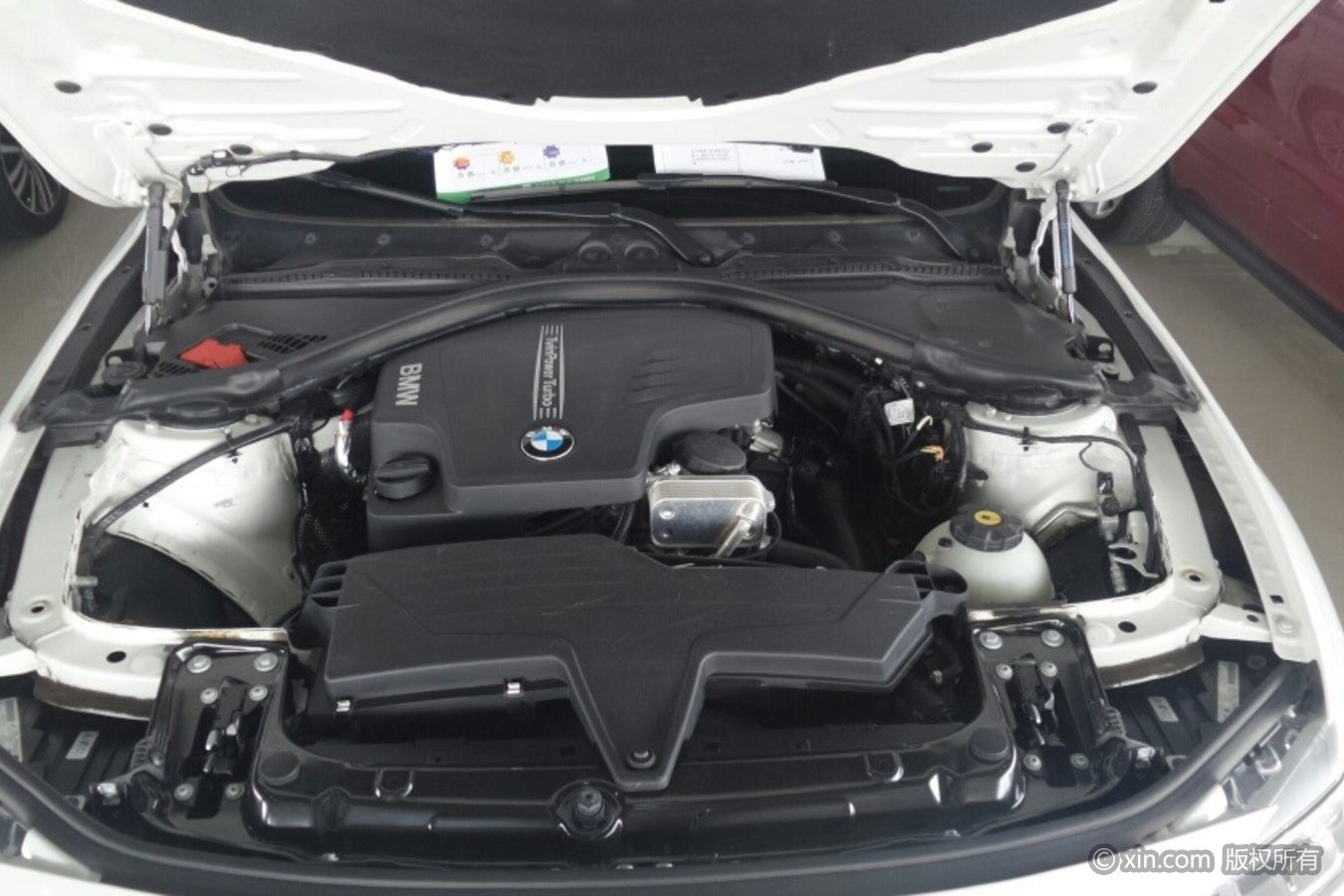 宝马3系发动机