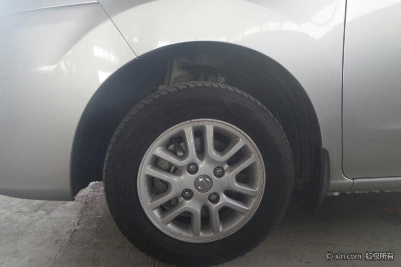 日产NV200轮毂