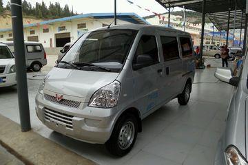 五菱 荣光 2015款 1.2 手动 S基本型7座