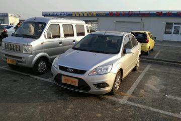 福特 福克斯三厢 2011款 1.8 手动 舒适型